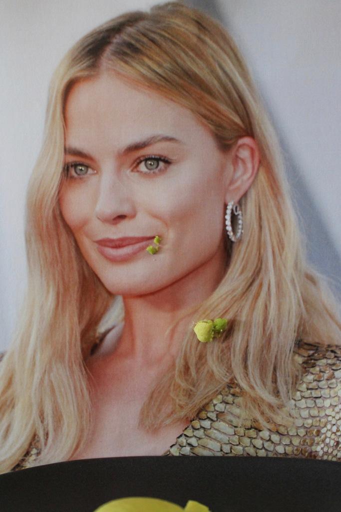 The iconic Margot Robbie smashing a Pistachimargot Macarobbie